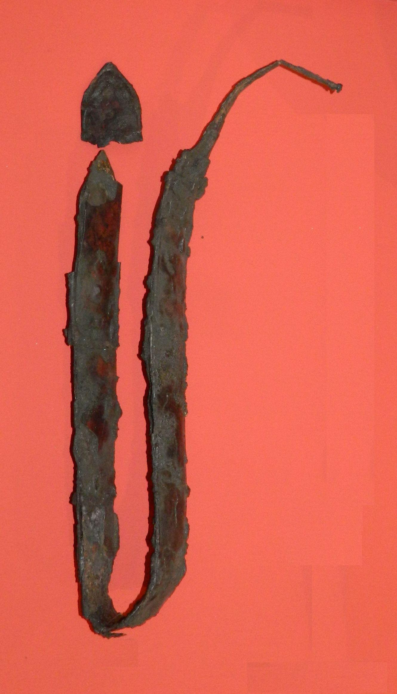 Miecz-z-Małej-Wsi-grób-508