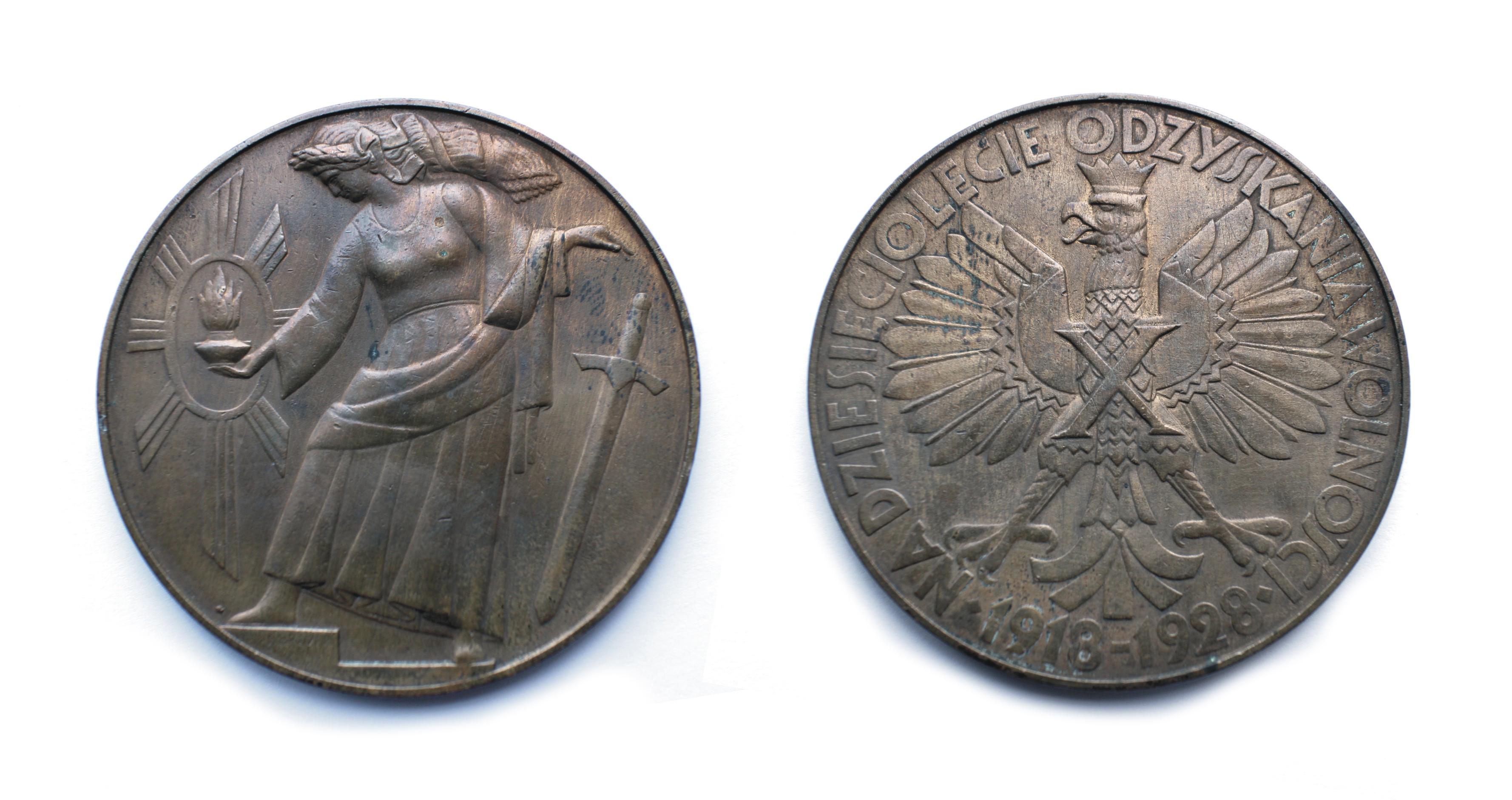 25.-medal-autorstwa-T.-Breyera-NA-DZIESIĘCIOLECIE-ODZYSKANIA-NIEPODLEGŁOŚCI
