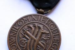 """20.-medal-""""Bojownikom-Niepodległości"""""""